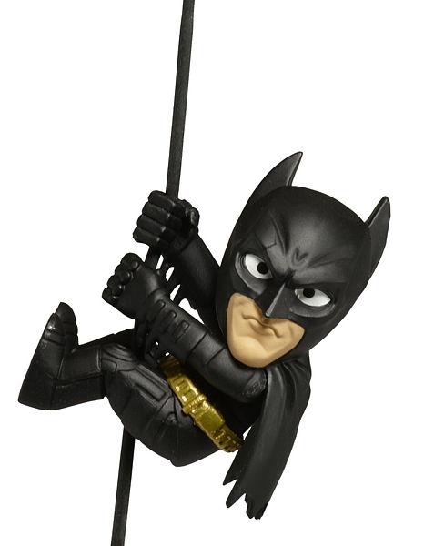 Фигурка Scalers Wave 4 Dark Knight Batman (5 см)Фигурка Scalers Wave 4 Dark Knight Batman с высоким уровнем детализации воплощает собой самого Бэтмена. Она может послужить отличным сувениром или раскачиваться на проводах ваших наушников.<br>