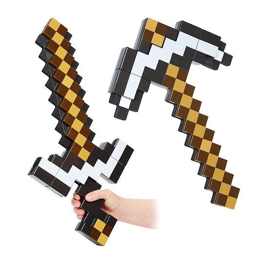 Пиксельное оружие-трансформер Minecraft. Меч-киркаПредставляем вашему вниманию пиксельное оружие-трансформер Minecraft. Меч-кирка, новый сюрприз от компании Jazwares, который был создан по лицензии Майнкрафт.<br>