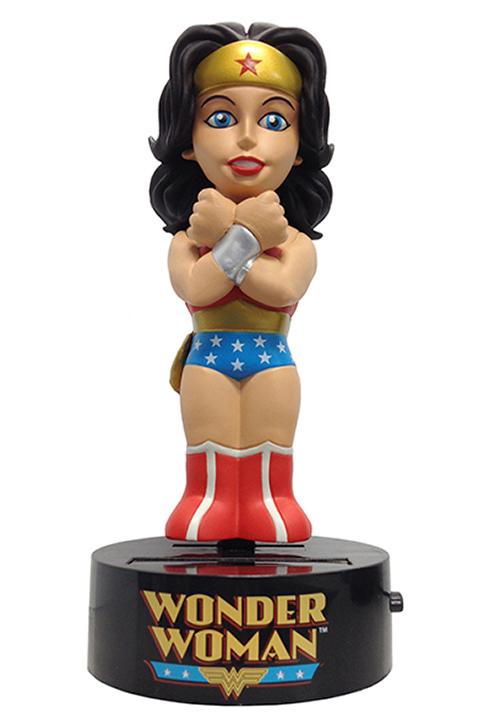 Фигурка на солнечной батарее DC Comics: Classic Wonder Woman (15 см)Представляем вашему вниманию фигурку-телотряс DC Comics на солнечной батарее. Classic Wonder Woman, выпущенную по мотивам комиксов DC Comics.<br>