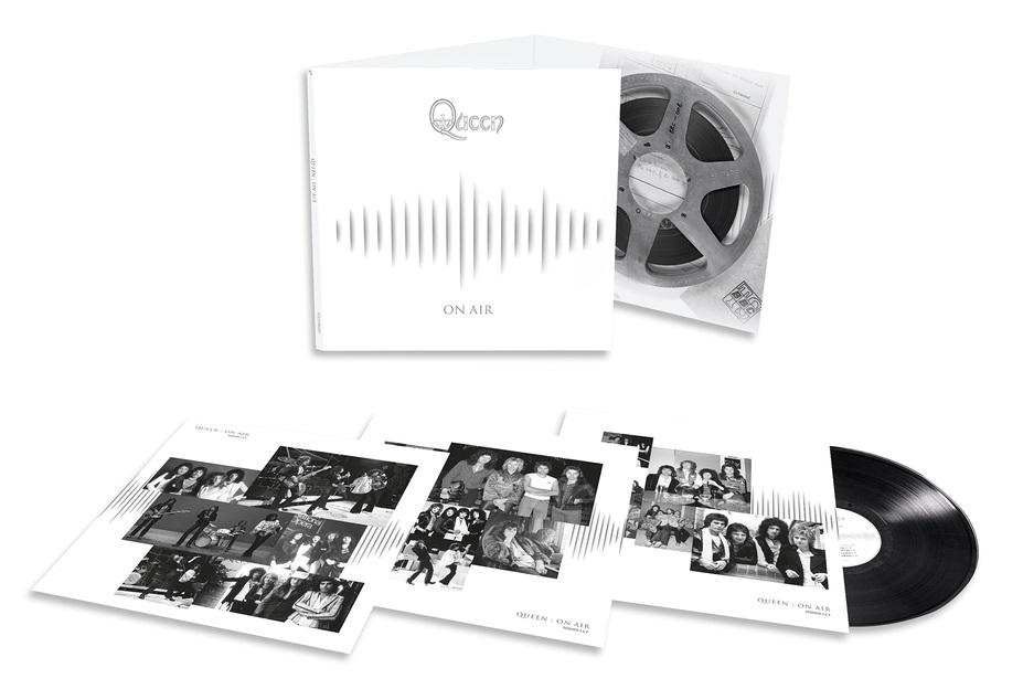 Queen: On Air (3 LP)Представляем вашему вниманию альбом Queen. On Air, коллекцию редких записей легендарной группы.<br>