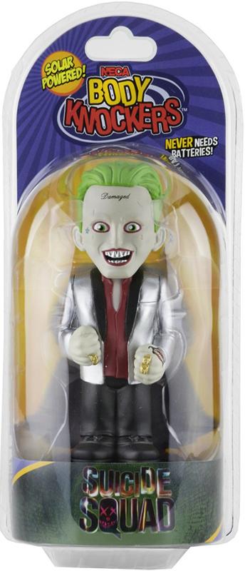 Фигурка на солнечной батарее Suicide Squad Joker (15 см)Наслаждайтесь часами приятного созерцания фигурки телотряса любимого персонажа, работающей на солнечной батарее. Один из героев фильма Отряд самоубийц &amp;ndash; Джокер, раскачиваясь из стороны в сторону при воздействии света, создает отличное настроение. Соберите всю линию фигурок и наблюдайте как ваши любимые персонажи развлекаются в течение всего дня!<br>