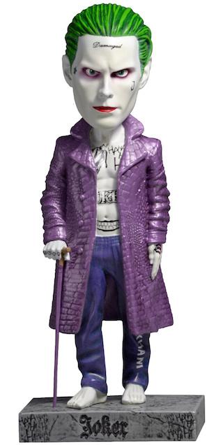 Фигурка-башкотряс Suicide Squad: Joker Head Knocker (20 см)Добавьте в компанию ваших любимых фигурок дьявольского Джокера из фильма «Отряд самоубийц»! Фигурка-башкотряс персонажа DC-вселенной Suicide Squad: Joker Head Knocker – выполнена из искусственной смолы солидного веса и тщательно раскрашена вручную.<br>