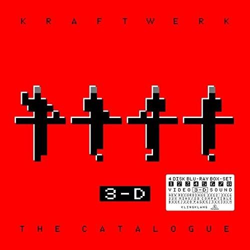 Kraftwerk – 3-D The Catalogue (4 Blu-ray)Kraftwerk – 3-D The Catalogue – это 3-D аудио/видео собрание выступлений группы в ведущих мультимидийных музеях мира.<br>
