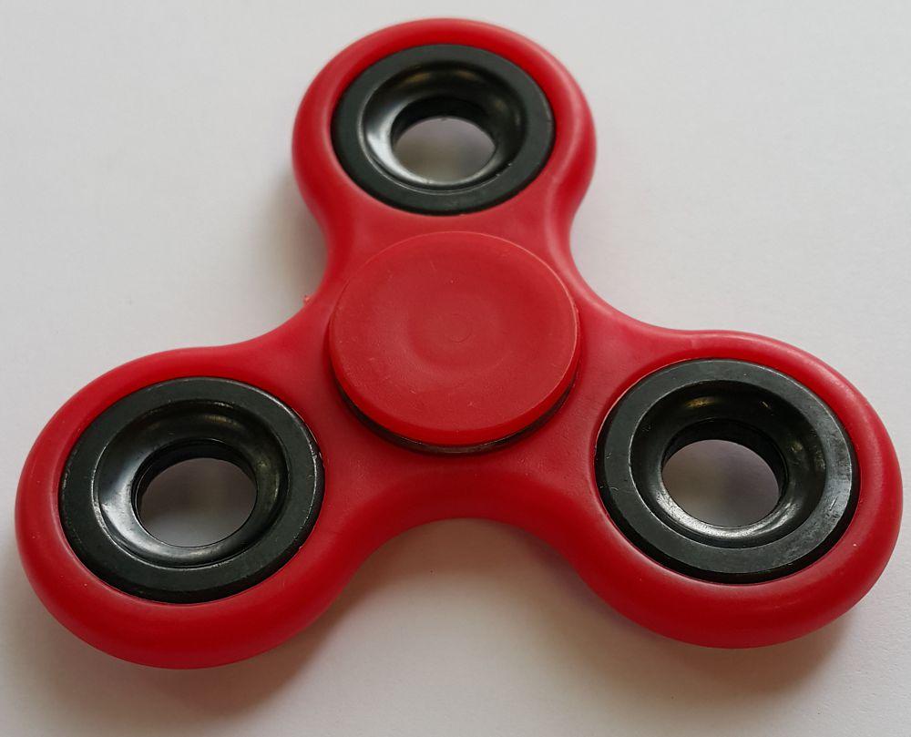Спиннер пластиковый – металлический подшипник (красный) спиннер алюминиевый – металлический подшипник черный