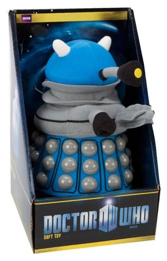 Мягкая игрушка Doctor Who: Dalek (синий) (20 см)Мягкая игрушка Doctor Who: Dalek создана по мотивам культового британского научно-фантастического телесериала компании «Би-би-си» об инопланетном путешественнике во времени, известном как Доктор.<br>