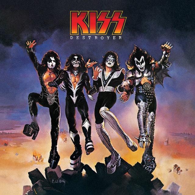 Kiss – Destroyer (LP)Destroyer – четвертая номерная работа Kiss, изданная в 1976 году. Продюсером альбома выступил Боб Эзрин, благодаря которому в звучание группы добавились звуковые эффекты, струнные инструменты, перевернутые ударные и детские голоса.<br>