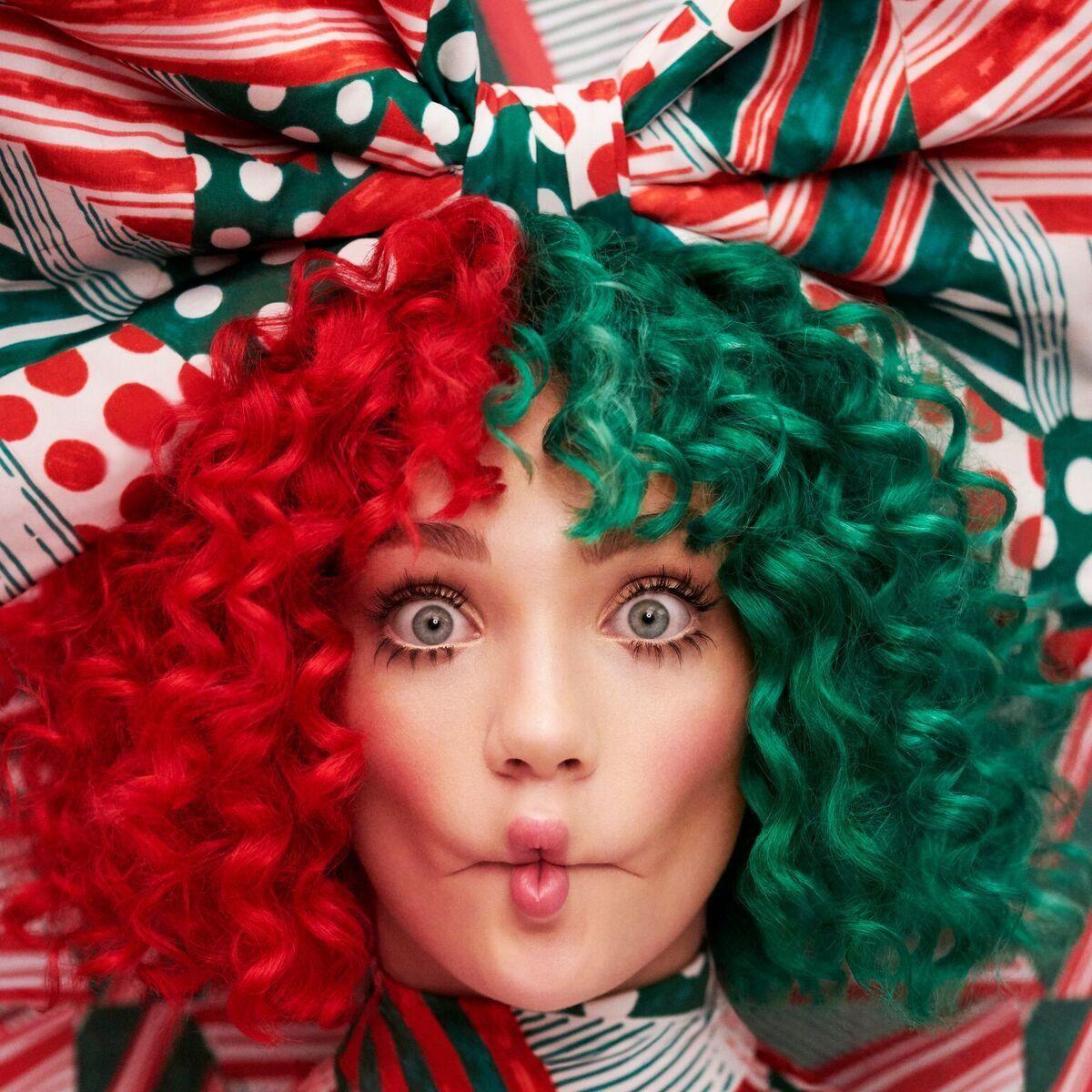 Sia – Everyday Is Christmas (LP)Everyday Is Christmas – рождественский альбом с десятью оригинальными песнями австралийской певицы Sia.<br>