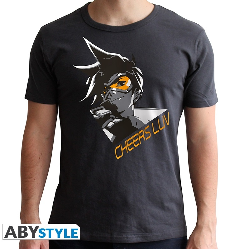 Футболка Overwatch: Tracer (темно-серый) (L)На футболке Overwatch: Tracer темно-серого цвета размера L изображена Лена Окстон, известная как Трейсер.<br>