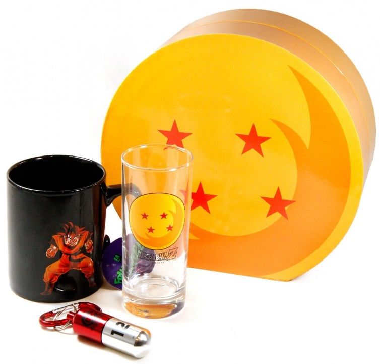 Подарочный набор Dragon Ball (кружка, стакан, брелок)Подарочный набор Dragon Ball создан по мотивам манги «Жемчуг дракона», созданной Акирой Ториямой. В набор входит кружка, стакан и брелок.<br>