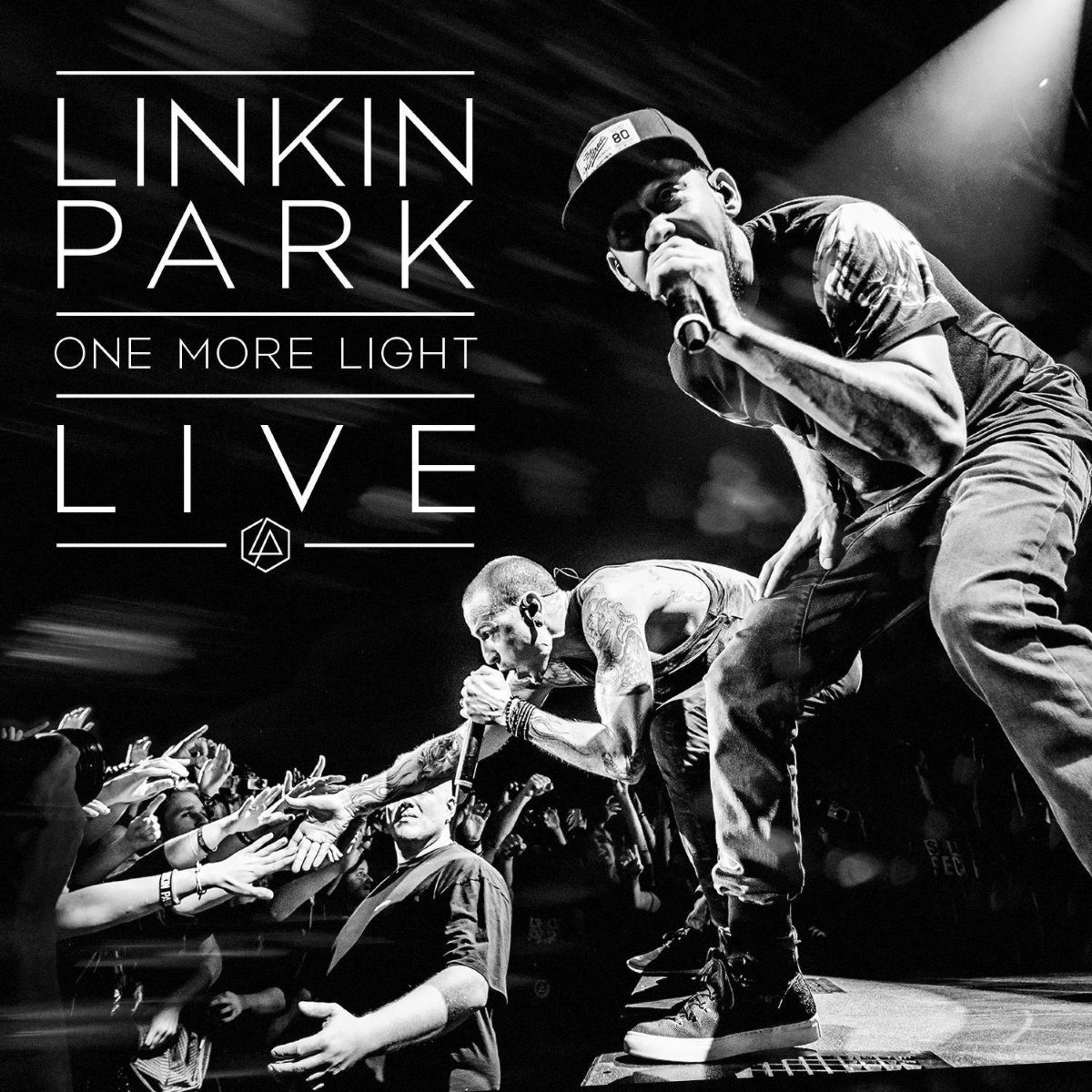 Linkin Park – One More Light Live (CD)One More Light Live – концертный альбом Linkin Park, посвященный памяти солиста Честера Беннингтона.<br>