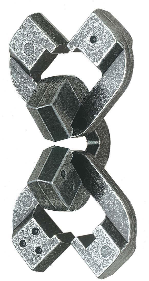 Головоломка ChainЦелый мир мудрости заключен в головоломке Chain (Цепь). Все три части могут быть разъединены и затем снова соединены в первоначальный вид.<br>