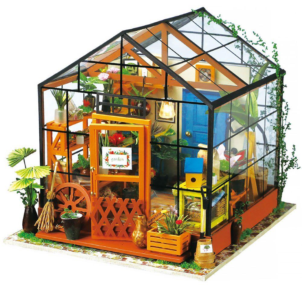 Конструктор Интерьер в миниатюре: Цветочный домикКонструктор Интерьер в миниатюре: Цветочный домик – это уникальная возможность собрать собственную неповторимую миниатюрную модель интерьера в 3D формате. А еще – классно и познавательно провести время в кругу близких людей!<br>