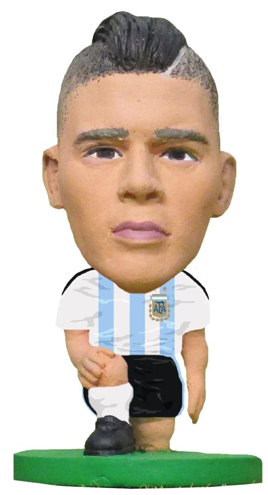Фигурка Argentina: Marcos RojoФигурка Argentina: Marcos Rojo воплощает собой аргентинского футболиста, защитника клуба английской Премьер-лиги «Манчестер Юнайтед» и сборной Аргентины, Маркоса Рохо.<br>