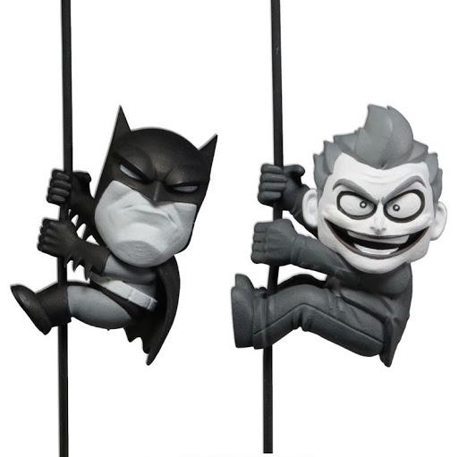 Набор фигурок Scalers Mini Figures. SDCC 2014 – Batman/Joker (Characters). 2 Pack (5 см)Набор фигурок Scalers Mini Figures. SDCC 2014 – Batman/Joker (Characters). 2 Pack включает фигурки с высоким уровнем детализации, которые воплощают собой Бэтмена и Джокера.<br>