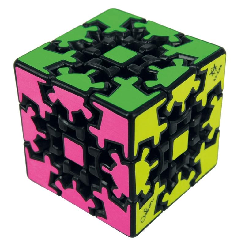 Головоломка Шестеренчатый кубПредставляем вашему вниманию головоломку Шестеренчатый куб, ставшую Игрушкой Года в 2010 году по рейтингу фирменного магазина Mefferts.<br>