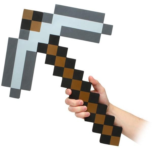 Пиксельная кирка Foam Pickaxe (45 см)Кирка Foam Pickaxe &amp;ndash; большая игрушечная пиксельная кирка. Материал &amp;ndash; мягкий и прочный пено-полимер.<br>