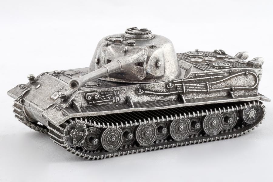 World of Tanks. Модель танка Lowe (1:100)Модель танка Lowe из игры World of Tanks в масштабе 1:100 – точная копия танка Lowe, одного из самых популярных танков игры.<br>