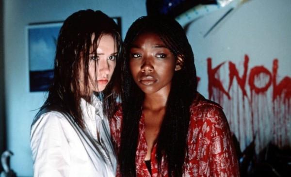 Киностудия sony планирует перезапустить популярный в прошлом молодежный фильм ужасов я знаю, что вы сделали прошлым